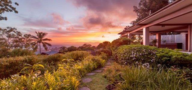 位于欧胡岛(檀香山所在的岛)山顶豪华别墅