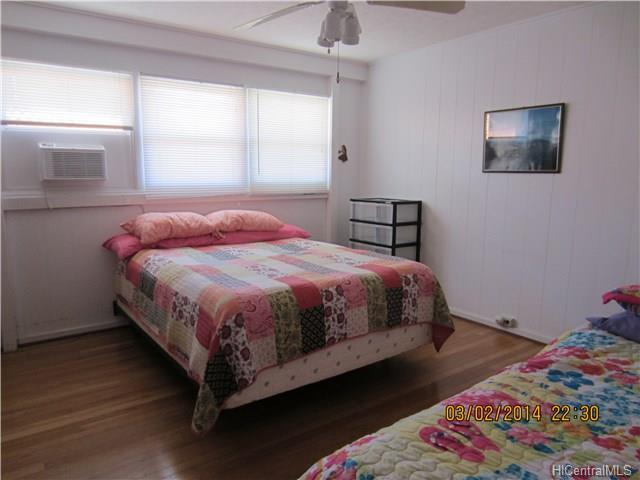 10-beachy-bedroom-1