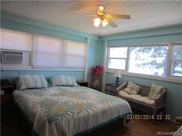 11-beachy-bedroom-1