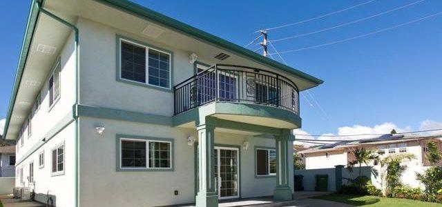 夏威夷大学附近新豪华宽大别墅低于市价出售