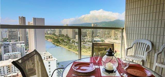 夏威夷市中心高层公寓,都市景观,宽敞阳台