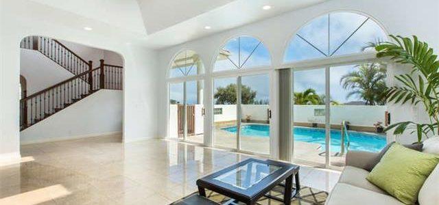 夏威夷欧湖岛带游泳池独立大别墅